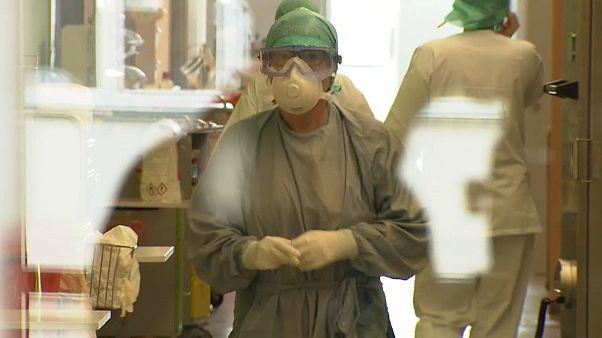 Österreich: Covid-19-Patient offenbar nach Plasma-Behandlung genesen