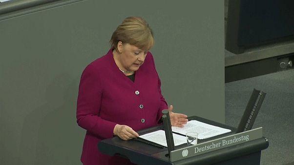 "Merkel volta a manifestar-se contra ""coronabonds"""