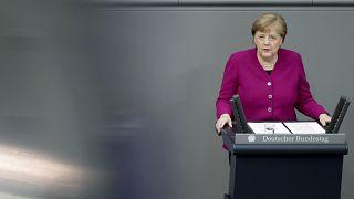 Angela Merkel reitera su rechazo a una deuda común pero ofrece una mayor contribución para la UE