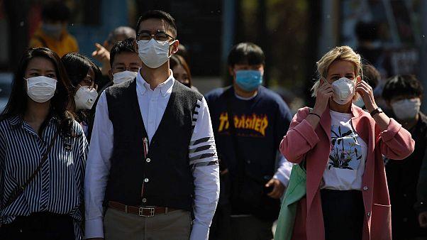 """""""Лучше к ним не подходить"""": иностранцы в Китае жалуются на рост ксенофобии"""