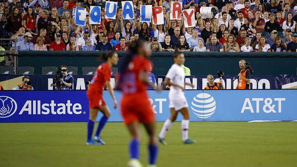 Чемпионат Европы по футболу среди женщин перенесён