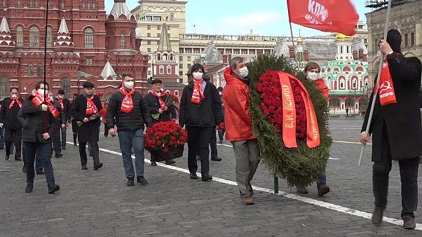 Sovyetler Birliği'nin kurucusu Lenin, 150. doğum gününde koronavirüs kısıtlamaları gölgesinde anıldı