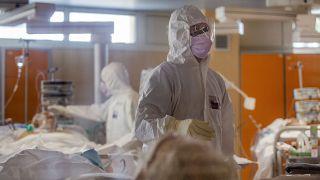 İtalya'nın başkenti Roma'daki Casalpalocco Hastanesi'nin yoğun bakım ünitesi