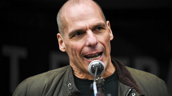 Políticos da crise financeira grega alertam União Europeia
