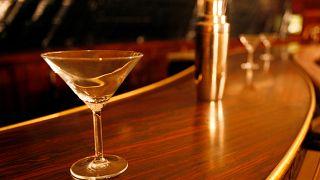 İtalya: Alkol tüketimi Covid-19'a karşı bağışıklık kazandırmıyor