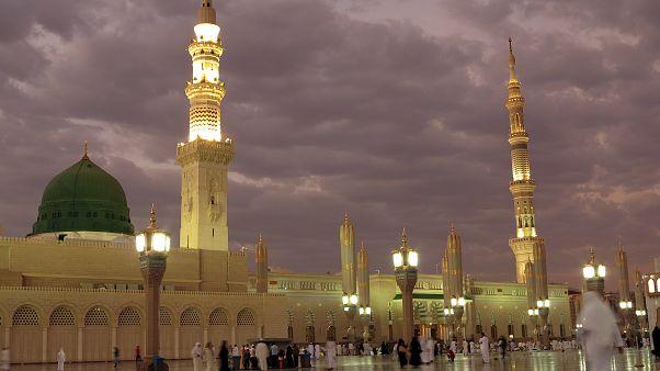 السعودية نيوز |      الجمعة أول أيام رمضان في المملكة العربية السعودية
