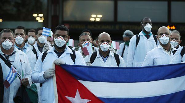 Médicos cubanos llegan a Italia para ayudar a luchar contra el coronavirus