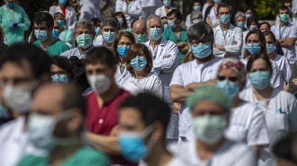 España registra más curados que nuevos casos diarios de coronavirus por primera vez