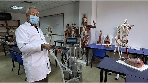 جامعة فلسطينية تكشف عن جهاز تنفس اصطناعي من صنعها