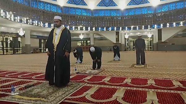Különös ramadán: se közös étkezés, se közös ima