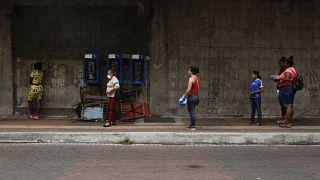 """منظمة """"هيومن رايتس ووتش"""" تنتقد قواعد التباعد الاجتماعي القائمة على نوع الجنس في بنما"""