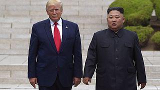ABD Başkanı Donald Trump (solda) Kuzey Kore lideri Kim Jong Un (sağda)