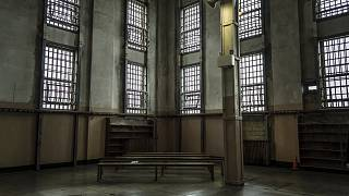 أعمال شغب داخل سجن بالأرجنتين بعد تأكيد إصابة مأمور بفيروس كورونا