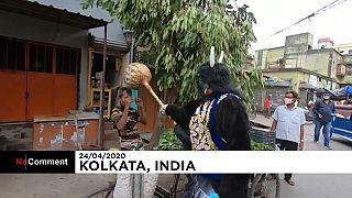 COVID-19: el dios hindú de la muerte hace campaña proprevención