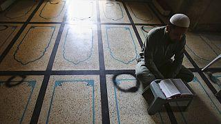 Ramadan col virus in agguato costringe i musulmani di tanti paesi alla solitudine