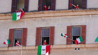 إيطاليا تتأهب لانتهاء إغلاق فيروس كورونا