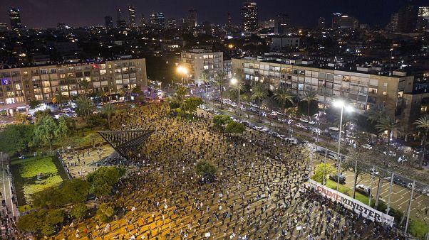 آلاف الإسرائيليين يتظاهرون ضد حكومة الوحدة