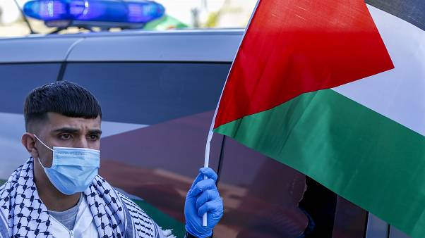 الفلسطينيون يخشون انتشار فيروس كورونا بين معتقليهم في السجون الاسرائيلية