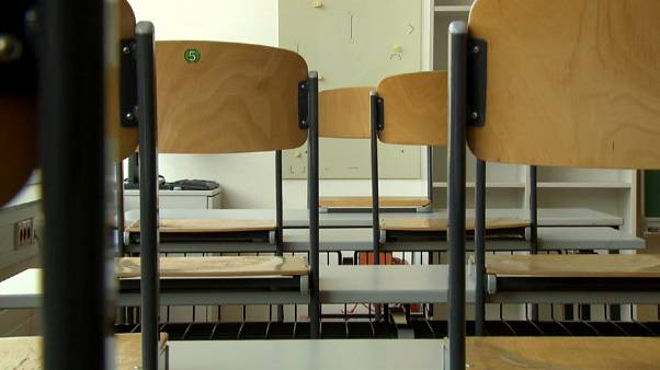 Escolas austríacas reabrem gradualmente em Maio