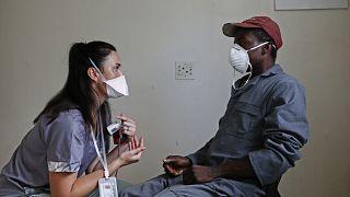 تدابير الإغلاق في جنوب إفريقيا تفتح نافذة لمعالجة مدمني المخدرات