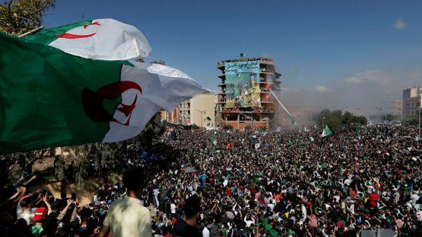 """الجزائر: إرجاء محاكمة """"سجين الحراك""""كريم طابو في قضية ثانية"""