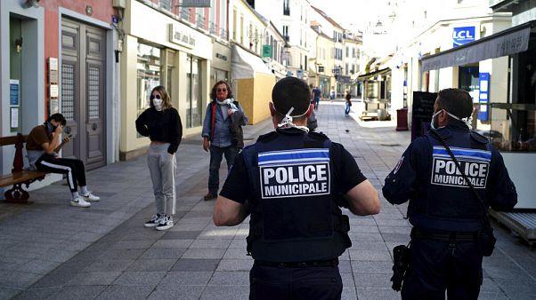 Ein Einzelfall oder ein tiefgreifendes Problem? Am Wochenende wurden Polizisten dabei gefilmt, wie sie sich rassistisch über einen Verdächtigen äußern.