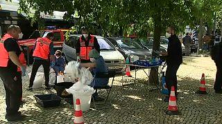 Refugiados e requerentes de asilo fazem teste à Covid-19 em Lisboa