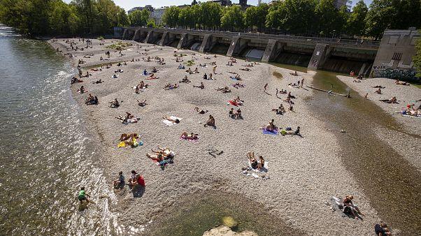 Sommerurlaub 2020: Isar- statt Mittelmeerstrand?