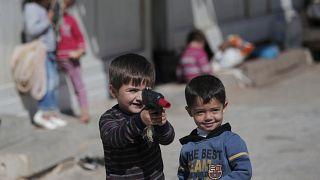 أوروبا تمنح نحو 300 ألف طالب لجوء حق الحماية في 2019 والسوريون على رأس القائمة