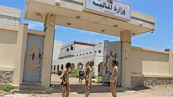ائتلاف تحت رهبری عربستان خواستار لغو تصمیم خودمختاری از سوی شورای انتقالی یمن شد