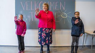 شاهد: عودة التلاميذ إلى المدارس في النرويج