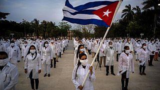 Ceremonia de despedida de los sanitarios cubanos en La Habana