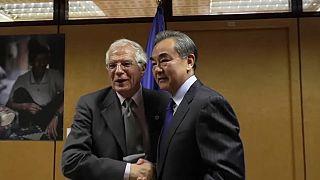 Diplomacia da UE suspeita de ceder a pressão da China