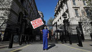بریتانیا به هر خانواده کادر درمانیِ قربانی کرونا ۶۰ هزار پوند میپردازد