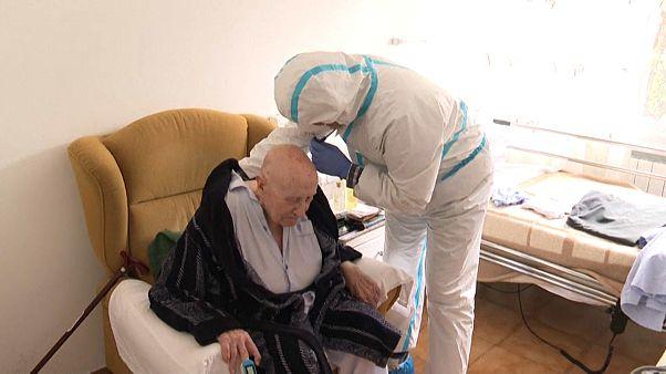 ¿Por qué España no evitó la debacle en las residencias de ancianos?