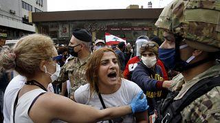 معترضان به وضعیت اقتصادی در شهرهای مختلف لبنان به خیابانها آمدند
