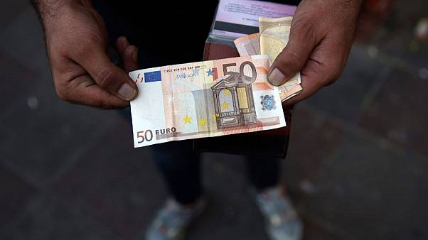 بانک مرکزی اروپا: احتمال انتقال کرونا از طریق اسکناسهای یورو کم است