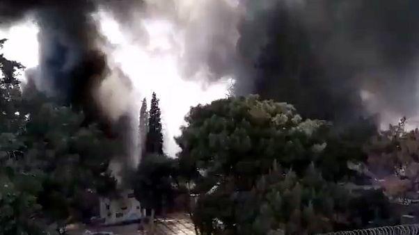 Afrin'de bomba yüklü yakıt tankeri ile düzenlenen saldırıda, en az 35 sivil hayatını kaybetti, 30'dan fazla sivil de yaraladı
