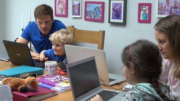Coronavirus : au Royaume-Uni aussi, l'école s'invite à la maison