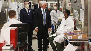 مايك بنس يزور مخبرا طبيا في روشستر - 2020/04/28