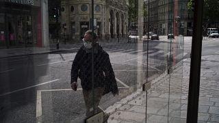 فرنسا تسمح باستخدام بلازما مرضى كورونا المتعافين بشروط