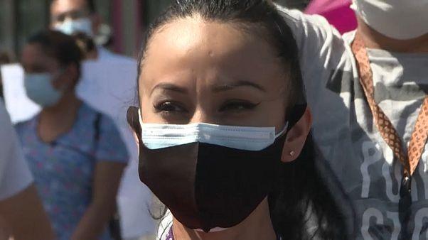 El calvario del personal sanitario: violencia en México y desprotección en Ecuador