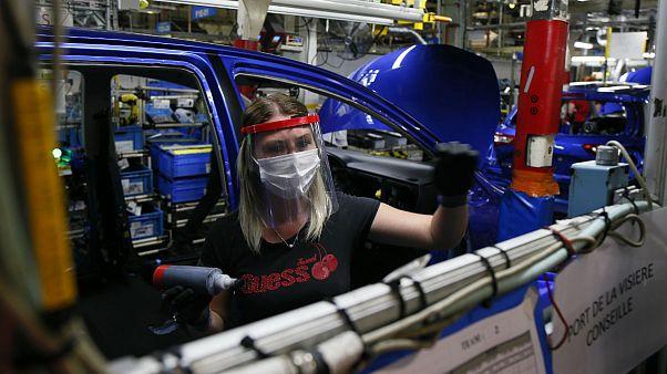 خودروسازان مستاصل از رکود ۲۰ درصدی؛ فصل خرید خودرو فرا رسیده است؟
