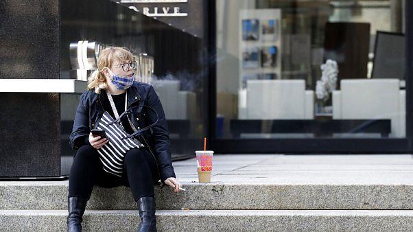 Una joven fumadora en Chicago