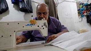 Γάζα: Μαζική παραγωγή μασκών