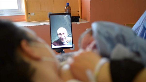 Papás virtuales en los partos de un hospital de Génova