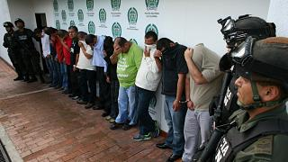 Kolombiya'da çete ve ayrılıkçı örgütleri terk edenler sosyal haklardan yararlanabilecek