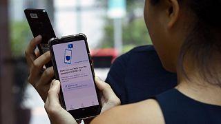 Fransa'da StopCovid uygulaması tartışılıyor: Halkı uyaran bu aplikasyon nasıl çalışıyor?