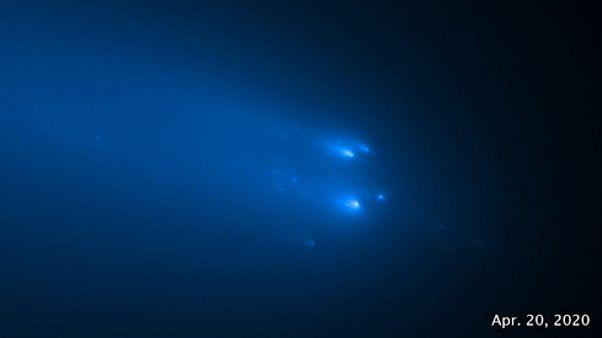 مخابره گزارش تصویری هابل از متلاشی شدن یک ستاره دنبالهدار؛ اطلس تکهتکه شد
