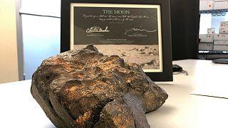 یک قطعه از ماه به ارزش ۲.۵ میلیون دلار در حراجی کریتسی فروخته میشود